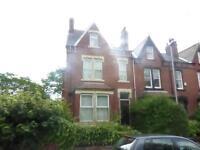 5 bedroom house in Hilton Road, Chapeltown, LS8