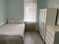 CR0 Double room to rent just outside East Croydon station, walking distance from town centre