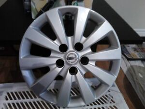 "Enjoliveurs Nissan 16"" NEUF"