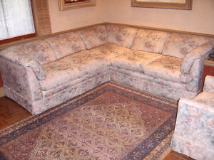 SECTIONAL COUCH & MATCHING CHAIR