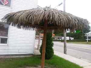 parasol tropical de 8 pieds  a vendre
