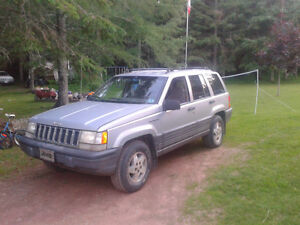 1994 Jeep Grand Cherokee Laredo SUV, Crossover