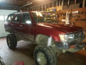 1995 Toyota 4Runner SR5 SUV, Crossover Mud-runner