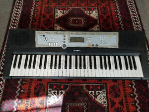 Yamaha PSR-E203 Portable 61 Key Electronic Keyboard
