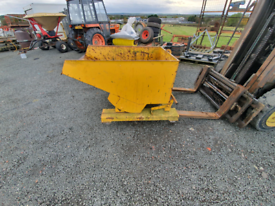 Forklift tipping skip with casters tractor telehandler
