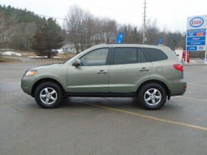 Very Clean Santa Fe GL AWD, 3.3 L Engine, ready to go