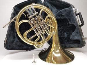 Yamaha French Horn YHR314 With Hard Case & Mouthpiece
