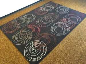 """Area Rug, siz: 5'3"""" × 7'5"""" in a great condition"""
