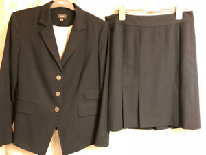 MEXX Navy Suit/Skirt Set - Size 12 top and 10 skirt - EUC