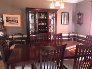 Dining room set in mint condition