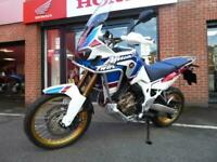 Honda CRF1000 Africa Twin Sport DCT with only 975 miles