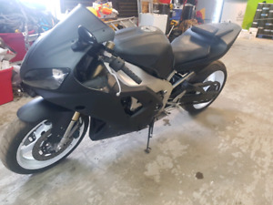 2000 Yamaha R1 extended swing arm lic for full year