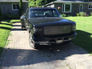CALLS ONLY  CALLS ONLY Ford f 350 solid 2wd 7.3 power stroke