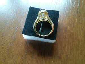Beautiful gold plated size six ladies ring  Kingston Kingston Area image 2