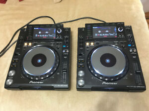 Pioneer DJM-900 Nexus and two CDJ-2000 Nexus!
