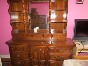 Beautiful Queen Size Dresser Wardrobe Night Table Solid Wood