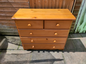 Pine chest of drawers five drawers