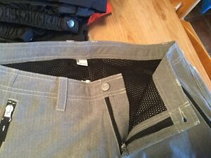 Women's lined outdoors pants Size 12 - Reduced! West Island Greater Montréal image 3