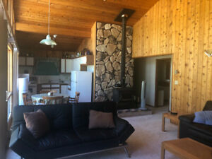 ST-MALO CABIN FOR RENT CLOSE TO PROVINCIAL PARK