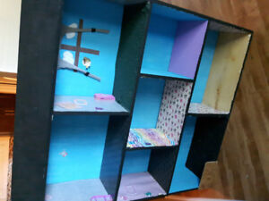 4 ft doll house