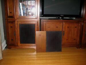 Meuble pour téléviseur extensible / TV Stand & Display Cabinet West Island Greater Montréal image 3