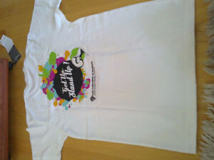 Unisex graphics white t-short crewneck Brand new with tags London Ontario image 3