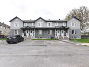 Start the CASH FLOWING NOW! 32 units CLOSE TO OTTAWA RIVER!