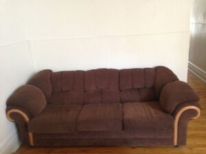 ***Large Brown Couch/Sofa/Canapé***