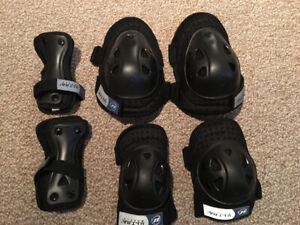 Rollerblade protective gear - wrist, knee and elbow pads - new