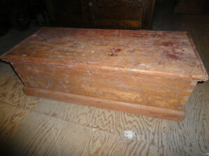 ANTIQUE PINE TRUNK ( TOOL BOX)