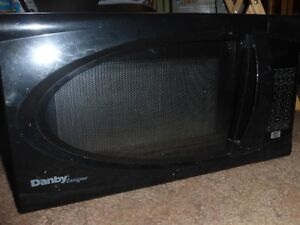 Small microwave oven for sale. In Fort Saskatchewan