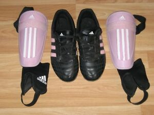 ADIDAS CLEATS AND SHIN PADS, SZ5, VERY GOOD COND