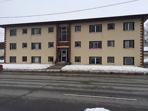 1 Bedroom Apartment Available JULY 1st, $860.00