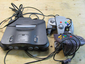 NINTENDO 64 Console with 2 controllers