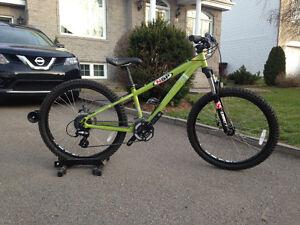 Vélo de montagne Devinci roues 24 pouces
