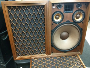 Santon Audio Moving Sale! Hifi and Studio Monitors.