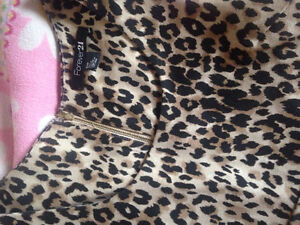 FOREVER 21- Size small cheetah print dress with zipper back