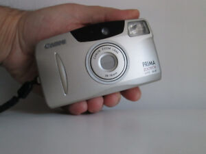 Point-and-shoot compact à film CANON Prima Zoom 76 Date