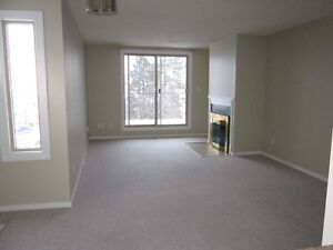 2 bedroom Townhome/Sahali for July 1st