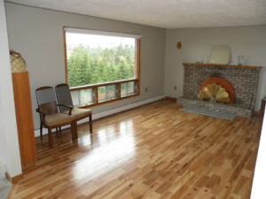 LAWRENCETOWN WALK TO BEACHES COZY BUNGALOW