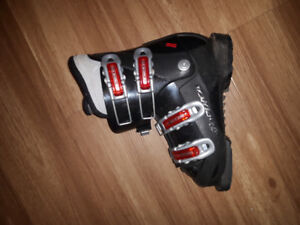 Downhill ski boots size 250mm (or approx 1.5 ). . Great shape