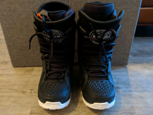 Thirty Two - Team 2 (TM-two), size 10