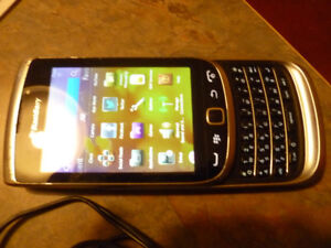 Blackberry Torch 9810 GSM HSPA Slider Cell Phone (Bell Network)