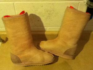 Women's Bully Wool Footwear Boots Size 6 London Ontario image 7