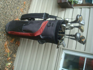 SPALDING RIGHT HAND CLUBS & GOLF BLACK BAG $50.00