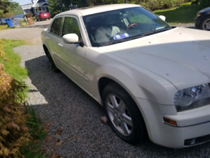 Chrysler 300 awd 2002
