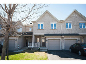 Spacious and modern 3 bedroom 3.5 bathroom town home in Kanata