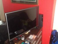 """PS 3 500 GB SLIM BLACK + LG 32"""" LED TV SILVER"""