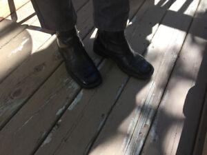 Men ancle leathe black boots