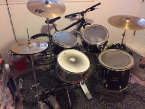 Drum Pearl Export Custom 5 peice+ hi-hat, crash, ride, pedale-db